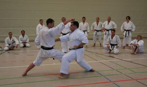 18-sensei-pascal-petrella-demonstarts-basic-kumite-with-
